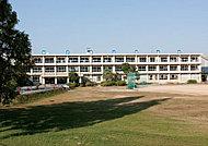 東山中学校 約2,800m(徒歩35分)