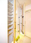 玄関を美しく演出する大きな収納力のシューズボックスも設置しました。