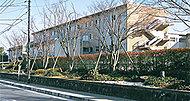 市立第一中学校 約590m(徒歩8分)
