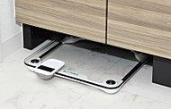 洗面台下にはヘルスメーターがすっきり収まるスペースを確保したデザイン。