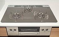 調理油過熱防止や消し忘れ消火機能など、安心してお料理が楽しめるSiセンサーコンロを採用。