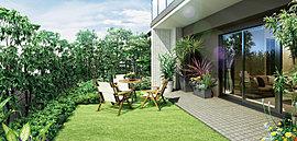 1階全住戸には潤いの専用庭をご用意。専用庭は、住まいにプラスアルファのゆとりをもたらす潤いのスペース。一階の全住戸に庭付きプランをご用意しています。