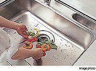 ディスポーザー生ゴミ処理システムを標準装備。衛生的な家事スペースを維持するとともに、ゴミを減らすことで環境への負担を軽減するシステムです。