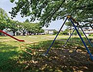神泉児童公園 約290m(徒歩4分)
