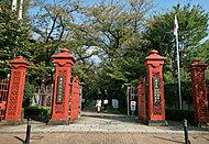 学習院女子大学 約1,010m(徒歩13分)