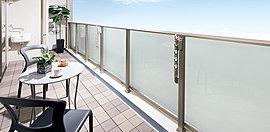 自然の陽光と風を採り込むバルコニーは、住空間に快適とゆとりをもたらします。