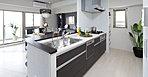 機能性とデザインを高い次元で両立したキッチンスペース。