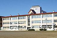 和徳小学校 約680m(徒歩9分)