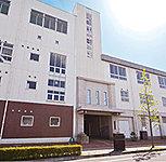岡山中央小学校 約620m(徒歩8分)