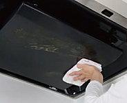 ホーローは表面がガラス質だから、水や湿気をしっかりはじき、何年使っても腐食することがありません。
