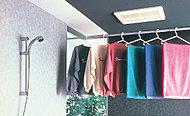 強力温風で浴室内を素早く乾燥・換気します。また、冬場に予め暖房することもできます。
