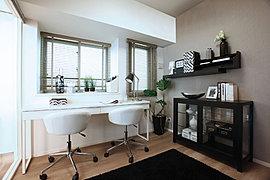 書斎や趣味の部屋、子供部屋など、多彩にお使いいただける洋室。