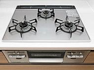 多彩な調理機能がうれしい強火力&高効率タイプで、魚焼きグリルは両面焼きを採用。また、ガラストップなのでお手入れしやすいです。