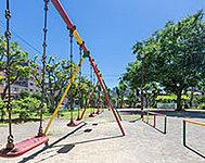 上の公園 約10m(徒歩1分)