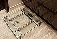 洗面台の下に、ヘルスメーターを収納するスペースを確保しています。