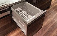 キッチンには食器洗い乾燥機を標準装備。家事効率を高めます。