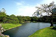 小石川後楽園 約1,340m(徒歩17分)