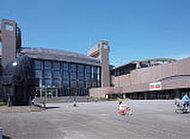 川崎市市民ミュージアム 約2,420m(徒歩31分)