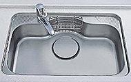 水はね音と落下音を抑制した静音仕様で快適なキッチンライフを演出。