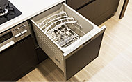 手洗いに比べて、節水効果が高い食器洗い乾燥機を標準装備しました。