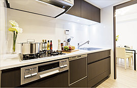 その洗練さに、機能美に、キッチンに立つのが楽しくなります。