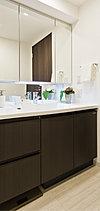 清潔感あふれる空間には、使いやすさとエコに配慮した先進設備も設けました。