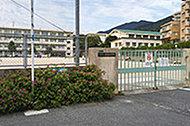 霧丘小学校 約350m(徒歩5分)