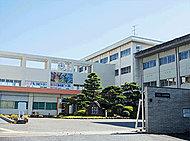 市立三笠中学校 約750m(徒歩10分)