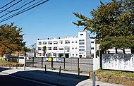金沢小学校 約680m(徒歩9分)