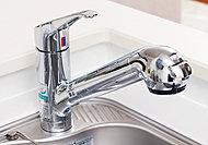 シンクのお掃除にも便利な引出し式ヘッド付きの浄水器一体型シャワー混合水栓を採用しました。