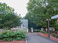 北海道大学植物園 約600m(徒歩8分)