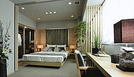 ただ眠るためだけの空間としてではなく、豊かな私時間を過ごせるよう設計された主寝室。いちばん寛ぎに満ちた場所としてお過ごしいただけるよう、通風・採光性や収納スペースなどにも配慮しました。