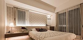 あたたかみのある風合いで個の時間を優しくつつむ。主寝室はダブルベッドを置いてもゆとりの広さ。一日の始まりと終わりに満ちたりた時間を演出するしつらいです。