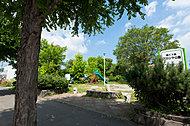 南11条アカシヤ公園 WEST:約30m(徒歩1分) EAST:約10m(徒歩1分)