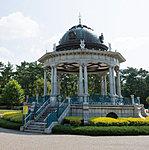 鶴舞公園 約1,400m(自転車5分)