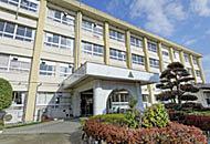 諏訪中学校 約1,200m(徒歩15分)