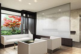 ソファとテーブルを設けたラウンジスペースをご用意。友達とおしゃべりしたり、住民の方が楽しくふれあえる空間です。