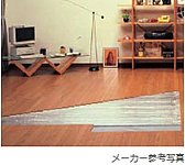 空気を汚さず、頭寒足熱の心地よいぬくもりのガス温水式床暖房をリビング・ダイニングに採用しています。