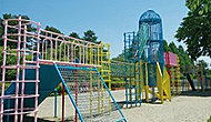 榴岡公園内(子供の広場) 約680m(徒歩9分)
