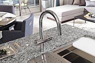 フラットなので吹きこぼれてもさっと拭くだけの簡単お手入れ。光沢感のあるデザインがキッチンの美観を高めます。