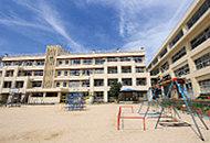 広島市立安小学校 約650m(徒歩9分)