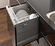 大きな操作ボタンでワンアクション。自動で洗浄・乾燥し、食後にゆとりの時間をもたらします。