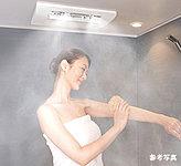 洗濯物の乾燥機能に加え、暖房機能も装備。ミストサウナは温かな霧状の水分で身体全体を包み込み温めます。
