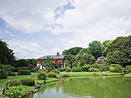 小石川植物園 約690m(徒歩9分)