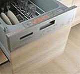 効率よく、たくさんの食器が洗える上、節水効果にも優れています。 ※LBタイプ除く