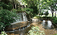 上野恩賜公園 約1,360m(徒歩17分)
