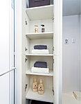 タオルや洗剤などの収納に便利。洗面まわりが美しく片付きます。