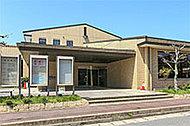 市立中央図書館 約530m(徒歩7分)