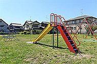 新田辺公園 約420m(徒歩6分)