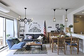 快適性を高める設備をはじめ、全住戸にウォークインクロゼットなどの大型収納が設けられ、住まう方ひとりひとりに合わせてフレキシブルに対応。上質な住み心地を味わえます(Fタイプモデルルーム)